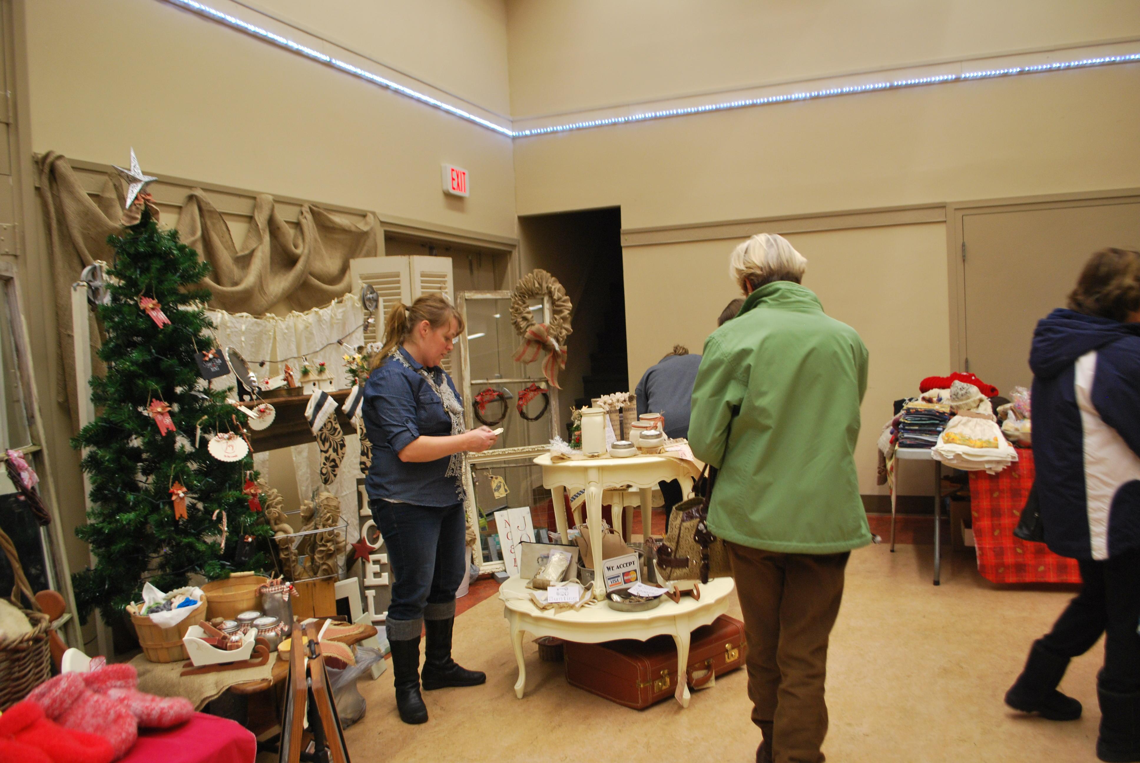 Country christmas craft fair festivals markets rodeos for Country christmas craft show